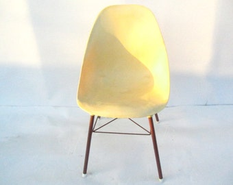 Retro Shell Chair, Formed Plastic Chair, Yellow Retro Chair, Eames Style Chair, Molded Chair