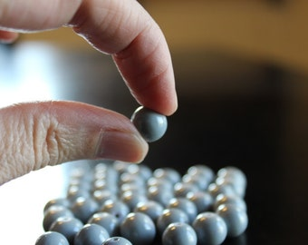 40 gray bubblegum glass beads, baking painted, 10 mm, hole 1 mm, round and smooth