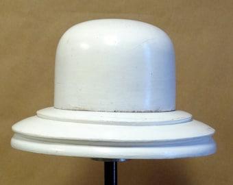 W01 Vintage Wooden Hat Block