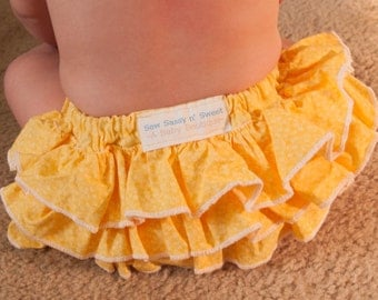 Spring ruffled diaper cover 6-12 months