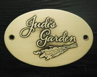 Personalized garden plaque for a gardener