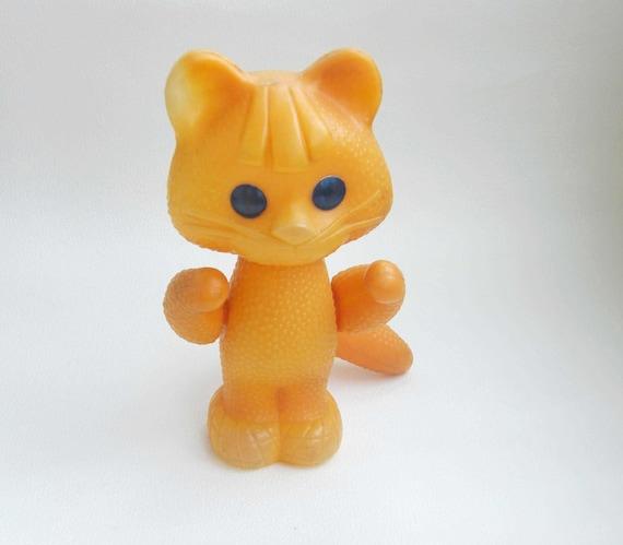 curly plastic cat toys