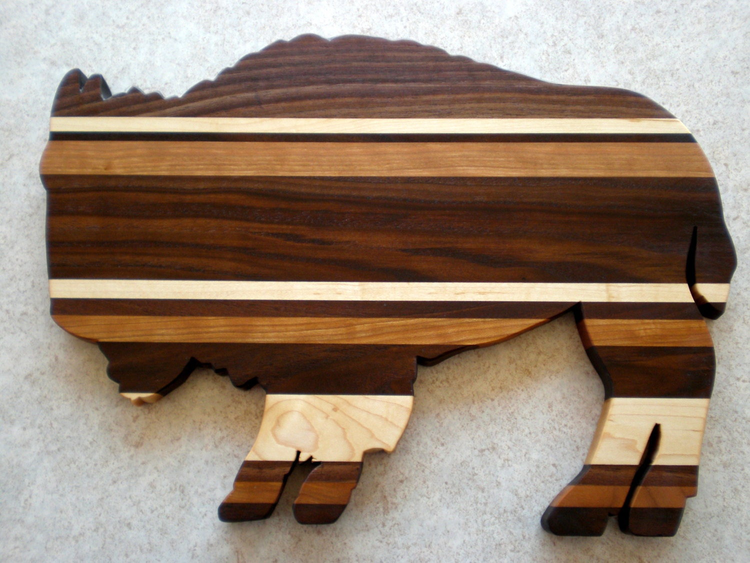 wooden bison cutting board buffalo solid wood cutting board. Black Bedroom Furniture Sets. Home Design Ideas