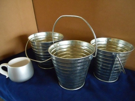 3 Pc Set Galvanized Pails With Handle 2 Quart From Dcmach