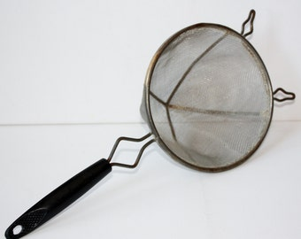 Vintage Mesh Food Pasta Strainer-Black Handle-Housewares-Powder Sugar Shaker-Food Prep-Food Drainer-Colander-Antique Kitchen Utensil-Canning