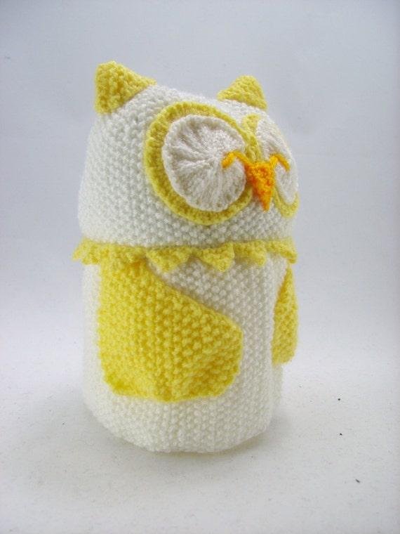Knitting By Post Owl : Knitting pattern owl toilet roll holder