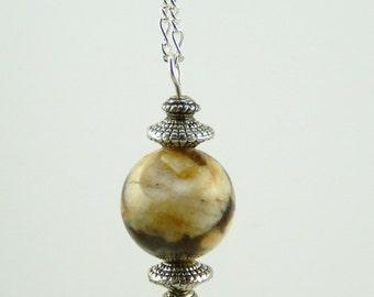 Anne pendant necklace