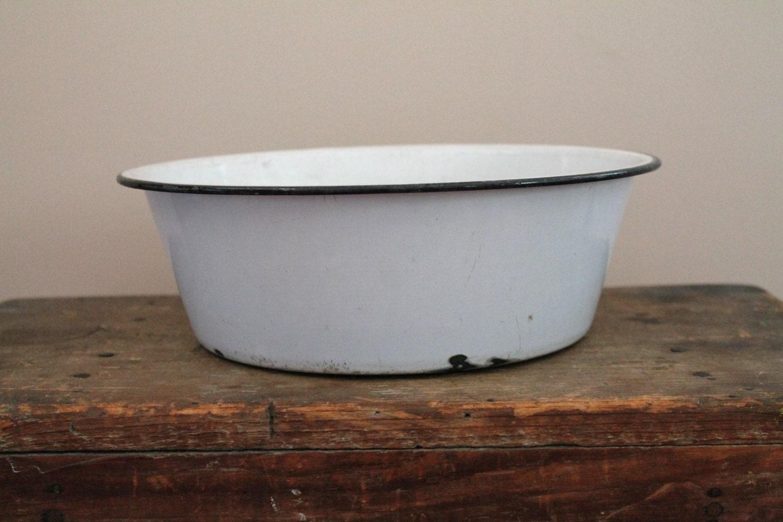 Small Enamelware Wash Tub White with Black Rim Round