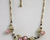 Very Pretty40's ~ 50's Pale Pink Floral Necklace