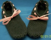 Sophisticated and comfortable crochet slippers, gray with pink ribbon.  So comfortable you do not want to take them off.  So cozy. Size 7-9.