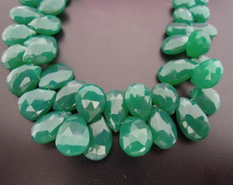 Green Onyx Faceted Pear Briolettes, 11 - 12 mm, 6 beads GM2301FP/11/2 #138