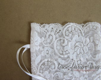 Light pink lace favor bags - pale pink lace pouch - wedding favor bags - set of 10