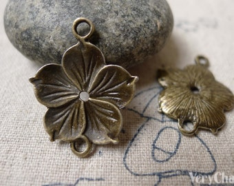 20 pcs of Antique Bronze Flower Connector Charms 20x26mm  A6910