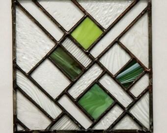 Green and Clear Geometric Suncatcher