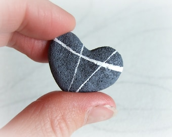 River pebble heart ring Recycled paper jewel Adjustable ring with stone