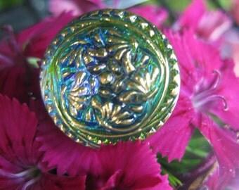 Spinning Phlox in Green Czech Glass Button18mm