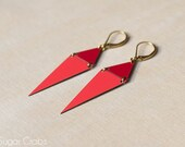 Formica jewelry. Geometric Formica Earrings. Handmade from Paris / France. Poppy red & coral. Scandinavian modern design. Pendant triangle