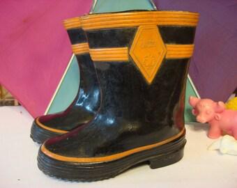 Vintage Rain Boots, Children kids Gumboots, galoshes, little boots,black orange rubber boots, 1950s