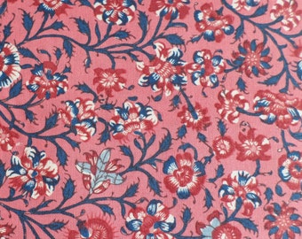 Dutch Heritage Floral Small - Pink - 1/2yd