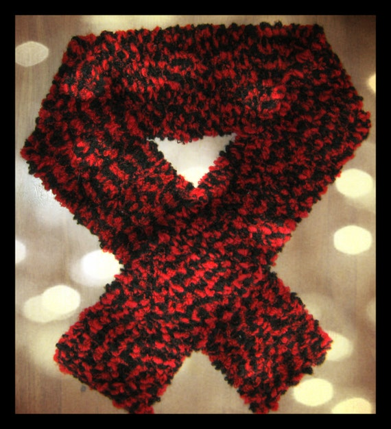 Handmade Warm Scarf in Black and Red by IreneDesign2011