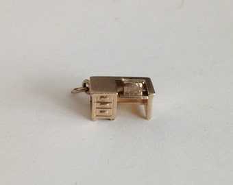 VINTAGE 14K Gold DESK Office Secretary Charm 3.1 Grams Movable