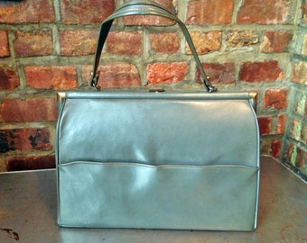 Mid-Century Olive Green Purse by GOLDCREST