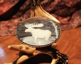 Incolay Cameo-Style Moose Belt Buckle