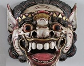 SALE 20% off (was 150) // Compelling BARONG Face Mask from INDONESIA / Vintage Hand-Carved Hand-Painted Mask from Bali / Powerful Display