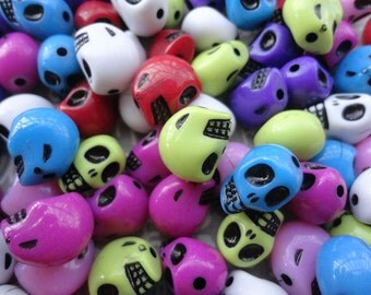 50pcs Mixed color Plastic Skull Beads Acrylic Skull Beads with 2mm Hole--12x10x8mm--BW8