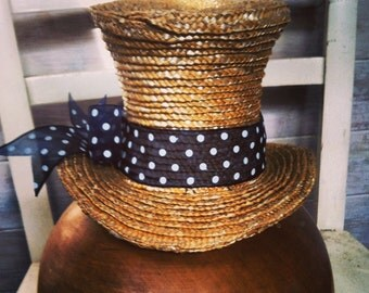 Mini straw top hat/facinator