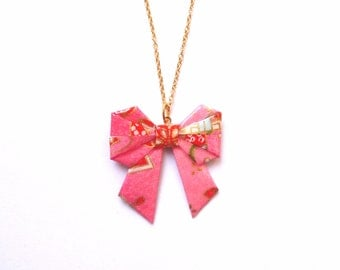 Origami bow necklace Pink