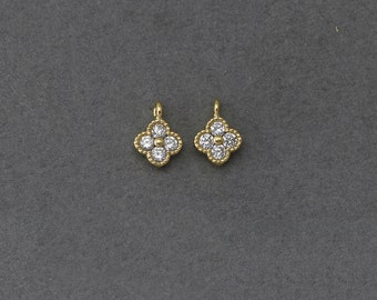 Clover Brass Pendant . Wedding Jewelry, Bridal Jewelry . 16K Polished Gold Plated over Brass  / 2 Pcs - BC110-PG-CR