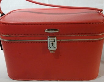 Vintage Sears Feather Lite Cherry Red Train Case. 1970's, Retro,