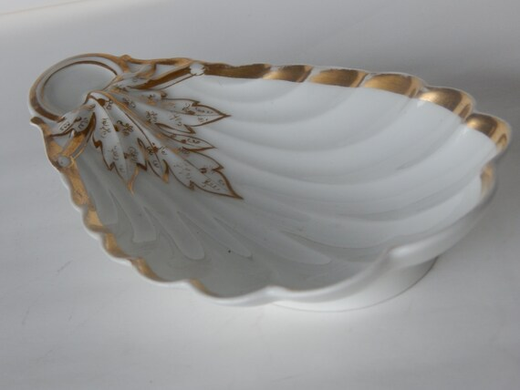 Design Dresser Scalloped Edge Bone Dish Dresser What