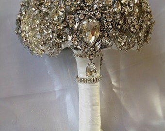 Wedding Brooch Bouquet. Made to order Crystal Bling Jeweled Brooch Wedding Bridal Bouquet. Heirloom Diamond Broach Bouquet