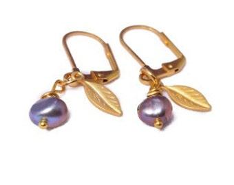 Purple Pearl Earrings - Gold pearl earrings  - gold leaf earrings - Wedding jewelry - Bridesmaids gift