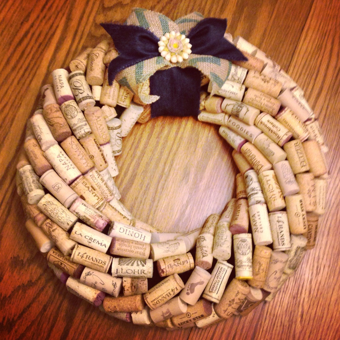 Spring wine cork wreath - What to make with wine corks ...