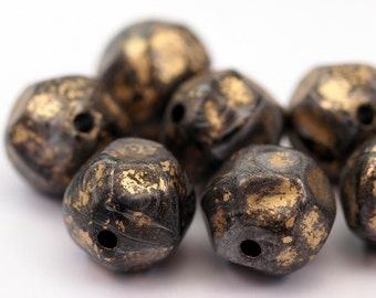 8 psc 18mm Verdigris Faceted Plastic Beads  , Vintage German Beads , Findings , Lucite Beads  - bk326
