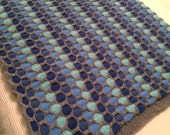 Honeycomb Pattern Knitted Blanket