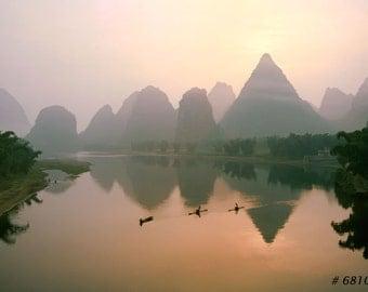 Nature Landscape photography - Chinese fishermen on Yangshuo Li river, China