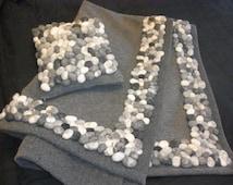 Blanket wool walk / loden with felt pebbles