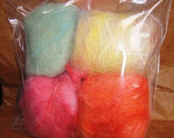 Carded and dyed alpaca fibre