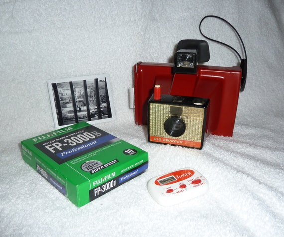 Vintage Camera in Red on Etsy