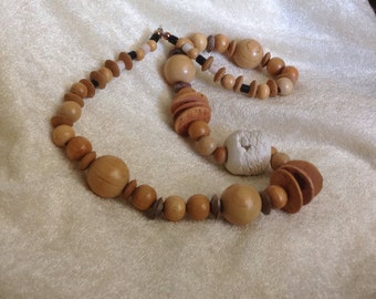 VINTAGE Wood Bead Necklace