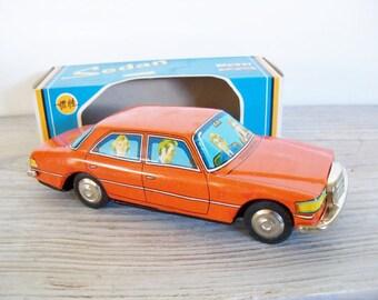 Vintage Tin Toy Sedan Car Austin Woodill Friction Litho 4 Door Sedan Model Car Toy Car Collectible Tin Car China MF 294 1980s