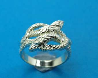 Sterling silver 925 ring - Double Snakes. Weight: 5.0 grams