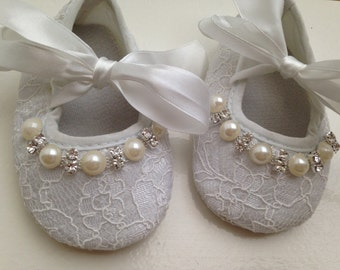 White lace baby shoes-- newborn white christening, baptism shoes-- lace crib shoes