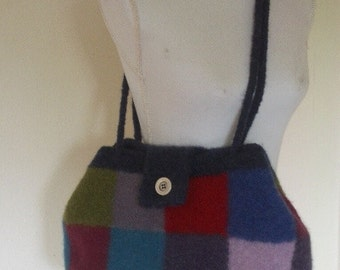 Handmade shoulderbag of felted wool
