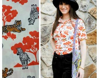 70s Safari Shirt African Zoo Animals Collared Button-up Tiger Hippo Zebra Size M