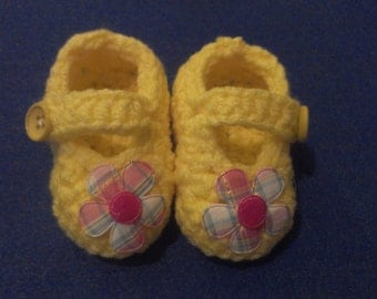 Yellow Crocheted Mary Janes size 0 to 3 months